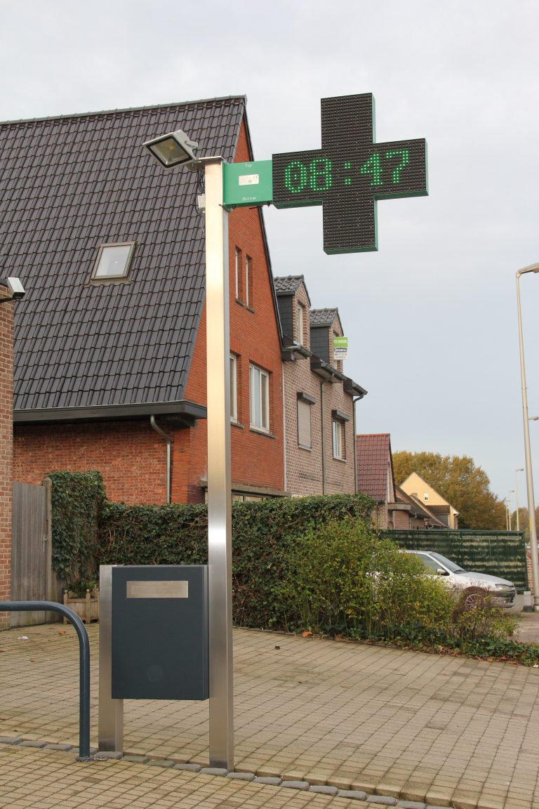 RVS paal voor ophanging apothekerkruis LED